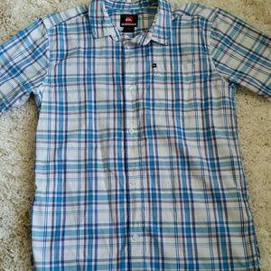 Quicksilver boys shirt.